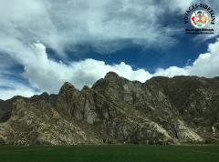 Plaine et montagne autour de Lhasa