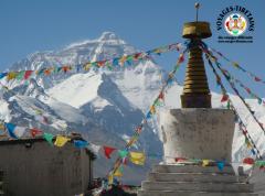 La face Nord de l'Everest vue depuis le monastère de Rongbuk