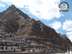 Le Shegar Dzong ou monastère de Chode à Tingri